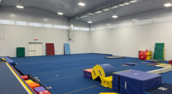 A photo of the gym and the floor.